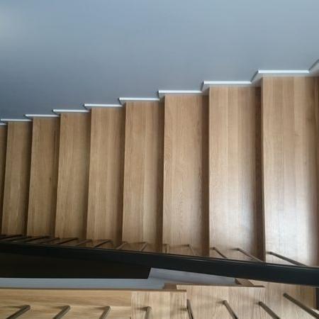 schody drewniane 70